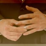 不倫で指輪を外す心理